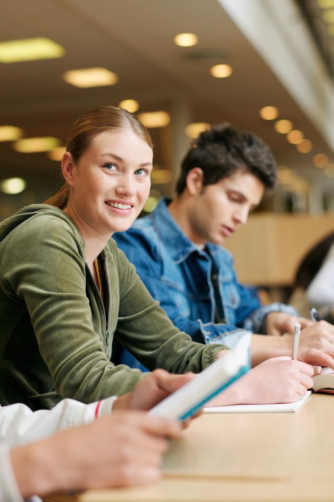Studienanfänger sollten ein Update der wichtigsten Versicherungen vorne