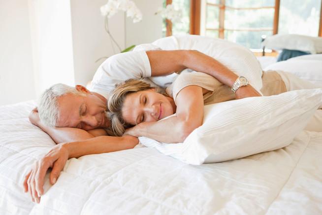Darauf sollten Senioren bei der Auswahl ihres Schlafsystems achten