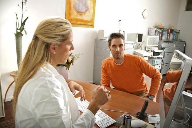 Stark erhöhte Cholesterinwerte können auch in jungen Jahren ein Alarms