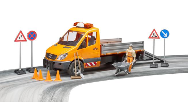Geschenktipp zu Ostern: Kommunalfahrzeug mit Bauarbeiter und weiterem Zu