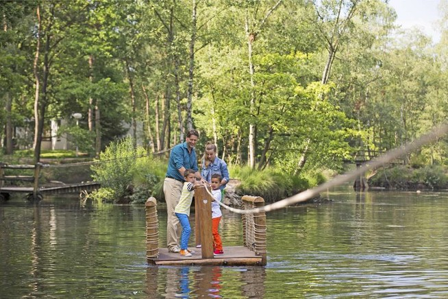 Ferienhäuser direkt am See oder Meer sind vor allem bei Familien gefrag