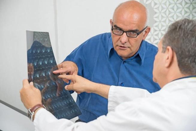 Experten des Krebsinformationsdienstes im Gespräch