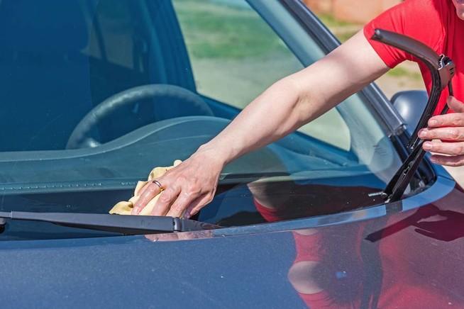 Autofahrer sollten auch den Windschutzscheiben genügend Aufmerksamkeit